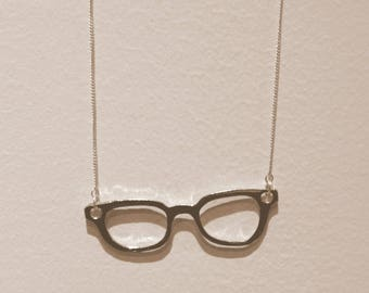 Silver glasses necklace