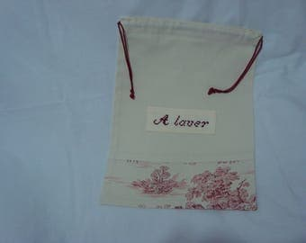 "travel pouch-""Washing"" embroidered on unbleached cotton and canvas Jouy base"