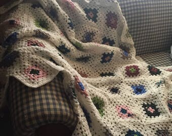 Flower Knitted Blanket