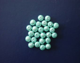 25 round 8 mm turquoise glass beads