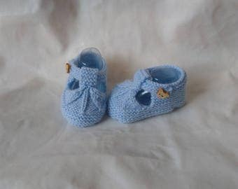 Blue button sandalette shape wool baby booties bears wood 0/3 months