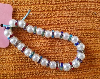 Pearl and colored jewels beaded bracelet