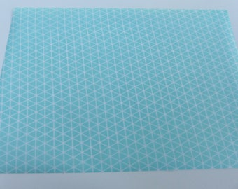 fabric leaf green background triangle fusible white 15 x 21 cm