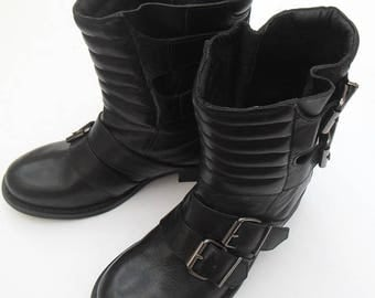 André 37 black leather boots