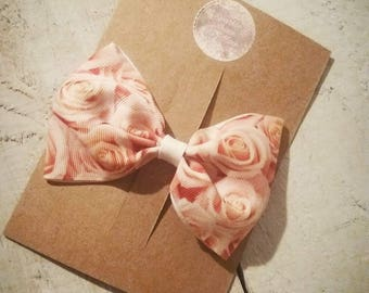 Lovely peach roses 3inch Bow with crocodile clip