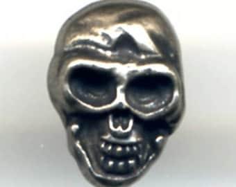 Silver skull Stud