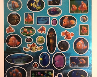 Print multiple stickers Nemo Dory sticker A4 - gloss with holographic background - Disney