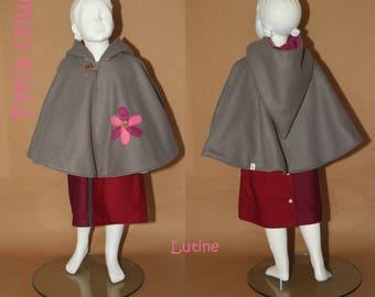 IMP - Fleece reversible Cape - 4 years - raspberry and grey