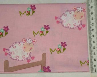 "100% cotton. Patchwork embroidery. ""Little lamb"". 04"