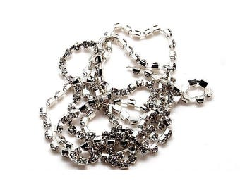 1 x square metal (4mm) - 'Crystal' rhinestones and silver - 20 cm chain