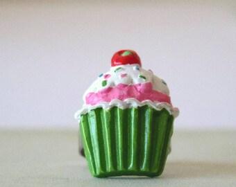 Green Cupcake ring