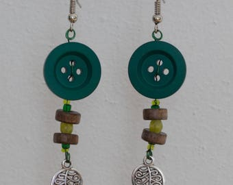 Leaves - beads and button earrings