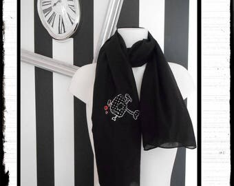 """TuZipabilly"": rockabilly black skull scarf"