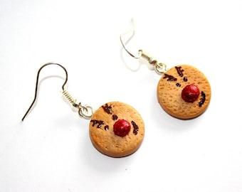 Small earrings sand reindeer