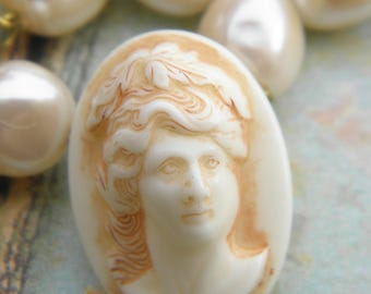 1 face Antique neoclassical Vintage inspired with 3D Relief cameo
