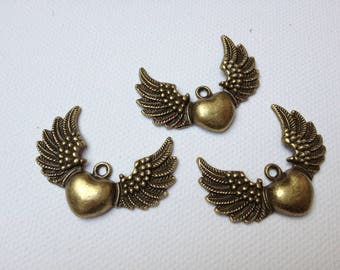 gorgeous retro charms, heart and wings 3.50 2 cm