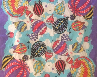 cute 1980s kitschy vintage hot air balloon printed headscarf/neck scarf