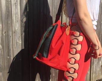 Vintage red and green drawstring bucket bag