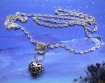 Chain on the front toggle clasp heart pendant