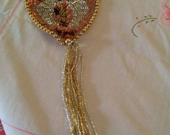 Very nice ornament in pearls to customize