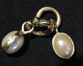 Vintage Earrings Erwin Pearl Clip On Ball Drop Faux Pearl Dangle Gold Tone Statement Costume Jewelry
