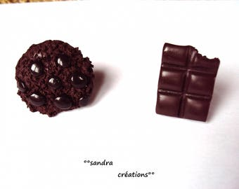 chocolate chip cookies or chocolate crunched square ring