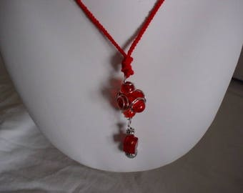 red glass beads pendant necklace