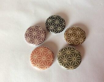 Japanese badge geometric asanoha 32 mm