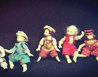 Miniature Dollhouse Dolls - 4cm