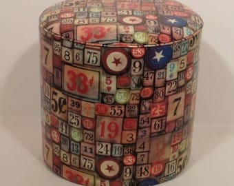Pouf faux leather with numbers and 2120 Casino chips