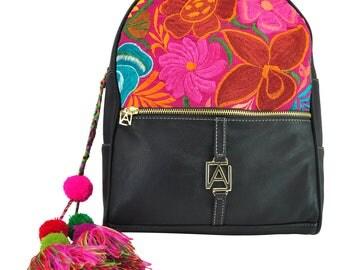 Original bags and handmade leather backpacks Angelozano