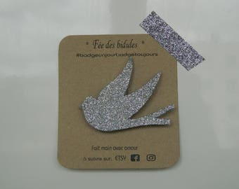 "Badge ""swallow"" silver glitter"