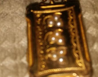 Victorian Locket 9ct yellow with 9 cultured pearls