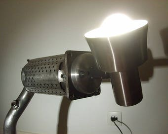 Directional catalyst and brake disc desk lamp
