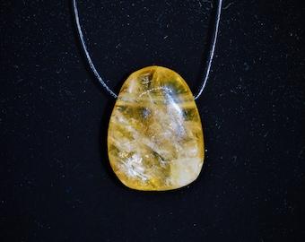 Collection 100% stone: genuine honey calcite pendant