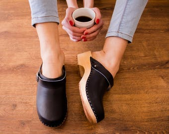 Swedish Clogs Moccasins Wooden clogs Women clogs Leather clogs Clog Womens clogs Boots Womens moccasins Wood clogs Clogs boots Clogs sandals
