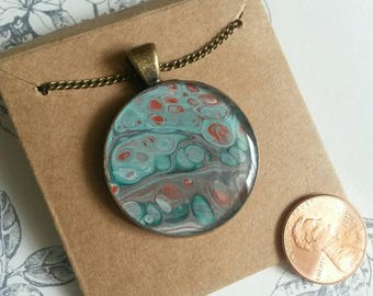 Fluid pour necklace 28