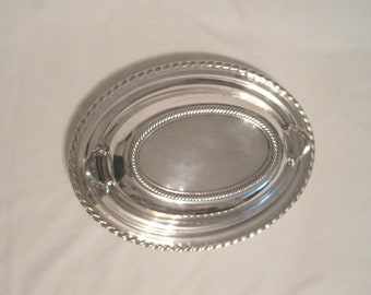 "Serviceable American Silver Plate Open Vegetable Server and Lid in ""CASTLETON"" with Gadroon Border"
