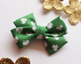 St. Patty's Day Hair bow - st patricks day hair bow - green hair bow - baby hair bow - toddler hair bow - nylon headband - st patricks day
