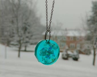 Blue circle resin necklace