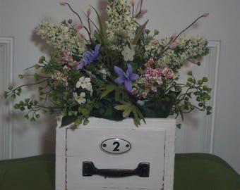 Spring Floral Arrangement, Farmhouse Arrangement. Lilac Arrangement