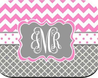 Monogrammed Mouse Pad - Pink Chevron Gray Quatrefoil