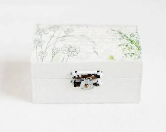 White Wedding Ring Box, Rustic Ring Box, Ring Holder, Ring Box, Ring Box Wedding, Engagement Ring Box, Wooden Ring Box, Ring Holder Burlap