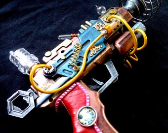 STEAMPUNK Nautilus Ray gun, working light, leather handle, metallic colours, cables, fantasy weapon, cosplay or display