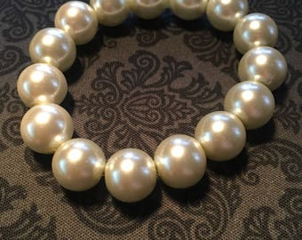 White Glass Bead Stretchy Bracelet