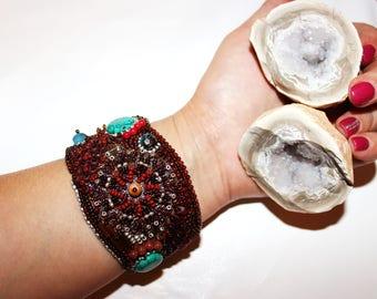 Jewel bracelet handmade from beads