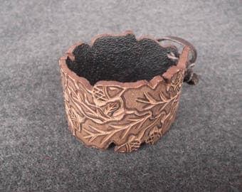 """Bracelet made of leather """"Oak Leaves"""""""