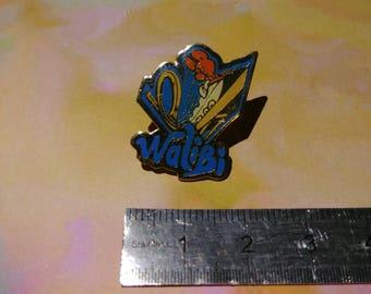 PIN enamel pin vintage Walibi Kangaroo in roller coaster amusement park