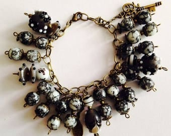 Black and white Frosted glass bracelet.
