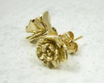 Solid 14K Yellow Gold Handcarved Rose Flower Stud Earrings, 3.2 grams, Artisan